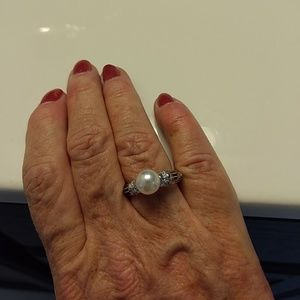 Simple pearl and silver ring